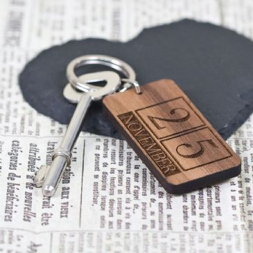 Custom Special Date Keyring - Rectangle Calendar Design